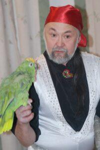 День рождение вашего малыша и настоящий говорящий попугай